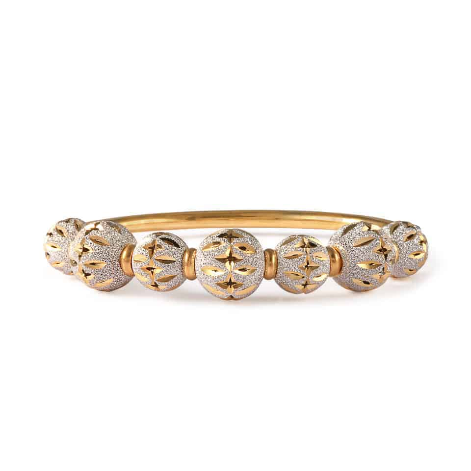 28592 - 22ct Gold Sparkle Bangle Bracelet