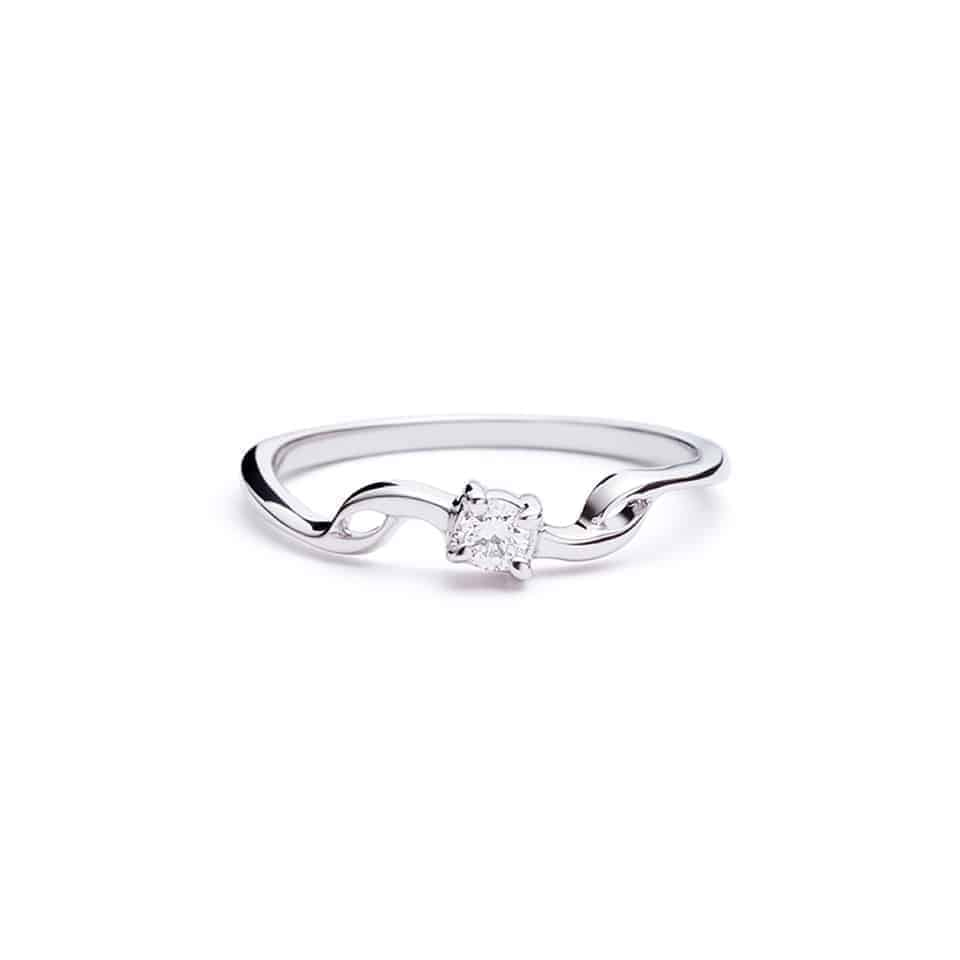 3240 - Wave Diamond Ring