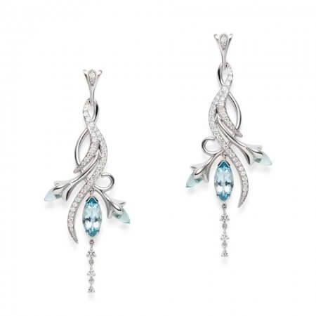 15801 - 18ct White Gold Floralia Earrings