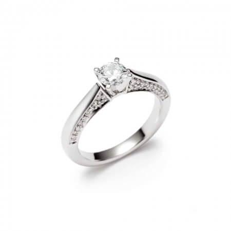 9163 - 18ct White Gold Diamond ring