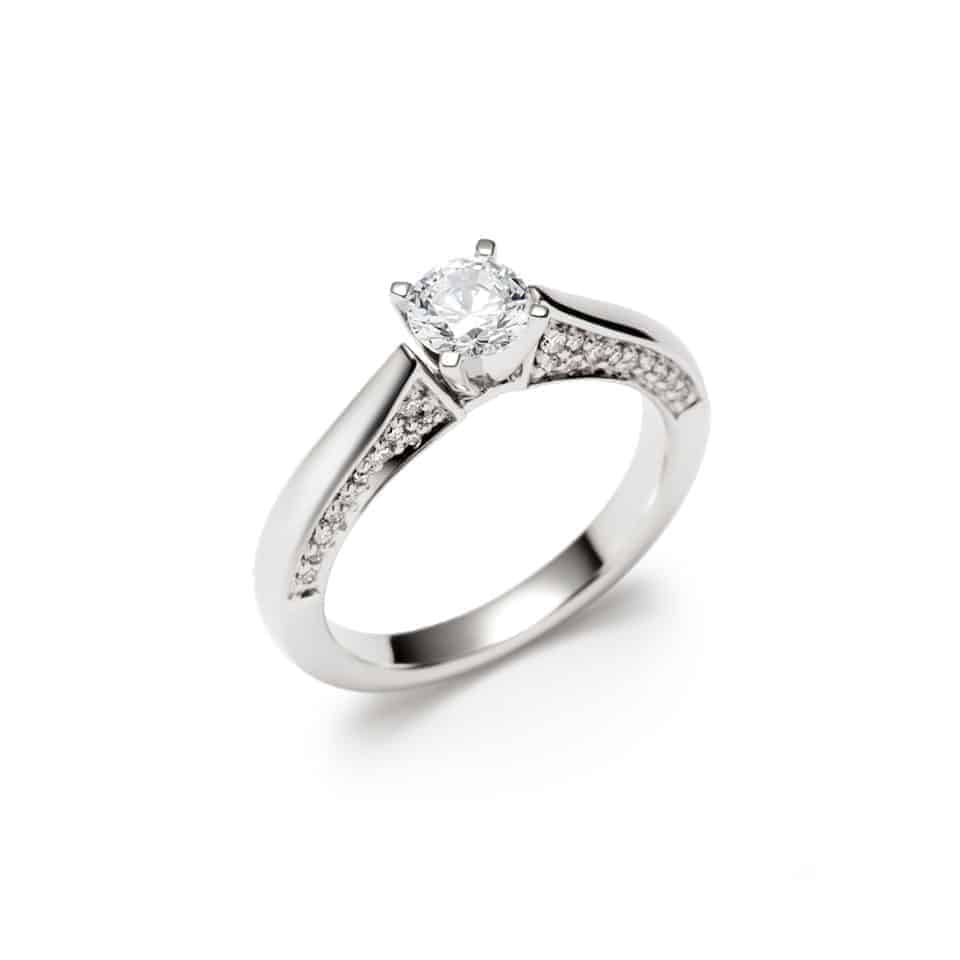 9163 - 18ct White Gold Diamond ring