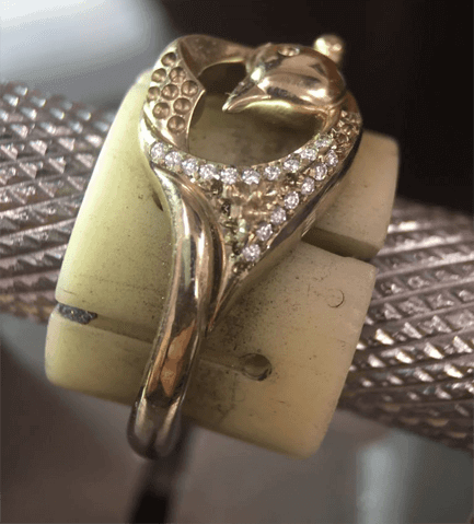 in-house-jewellery-collections-finished-by-hand