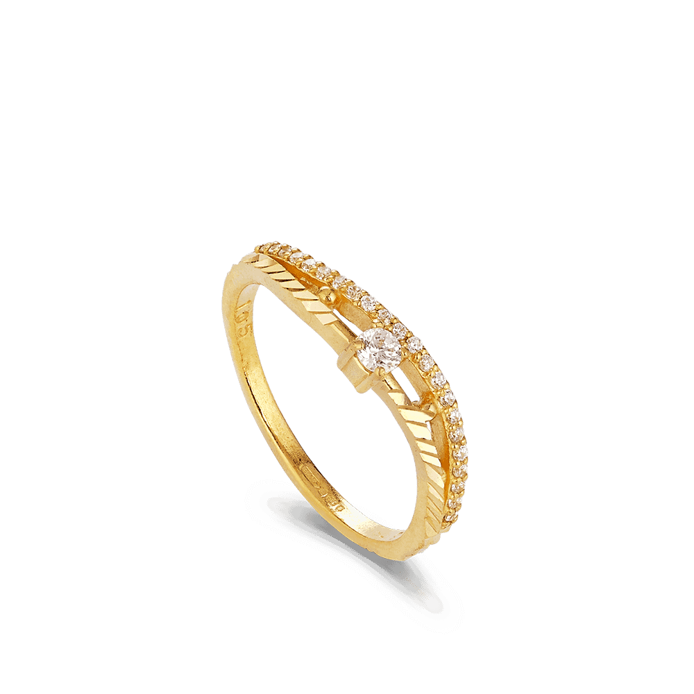 - 22ct Gold CZ Ring