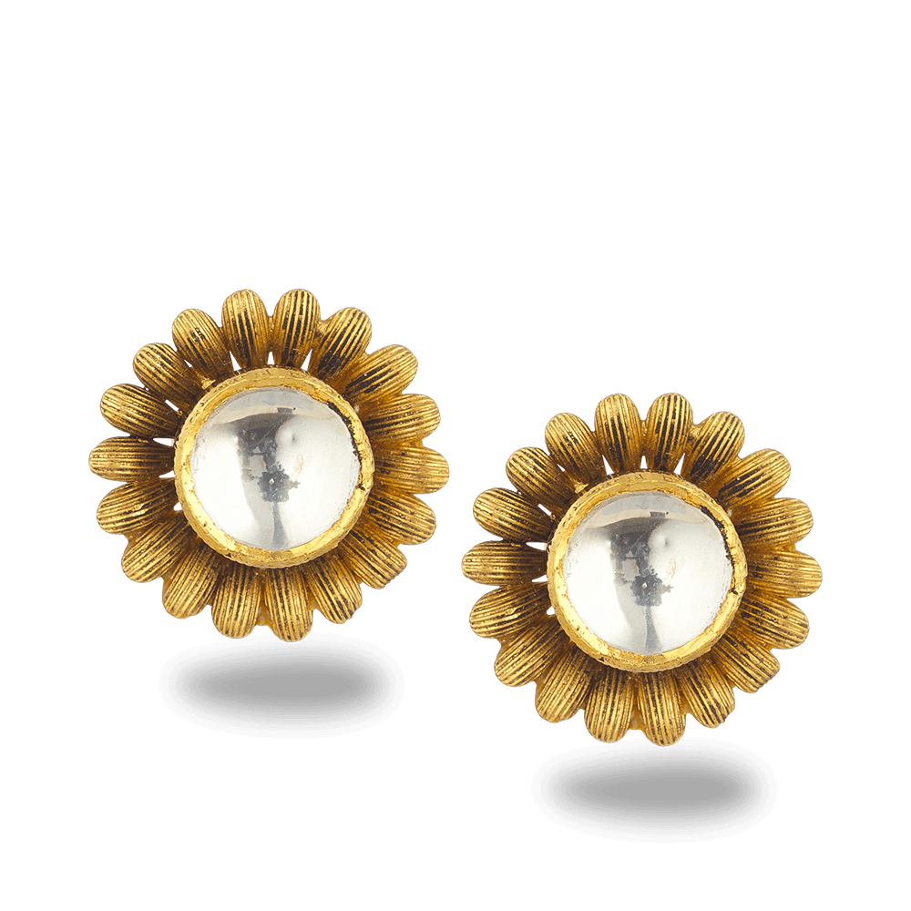 22ct Gold Armari Stud Earringwith Kundan & Antique finishWt. 7.6 gSKU. 27616All prices include VATAll our products are hallmarked by London Assay OfficeComes With Presentation BoxDelivery IncludedContact us on whatsapp to explore our latest collection of 22 carat gold earrings uk