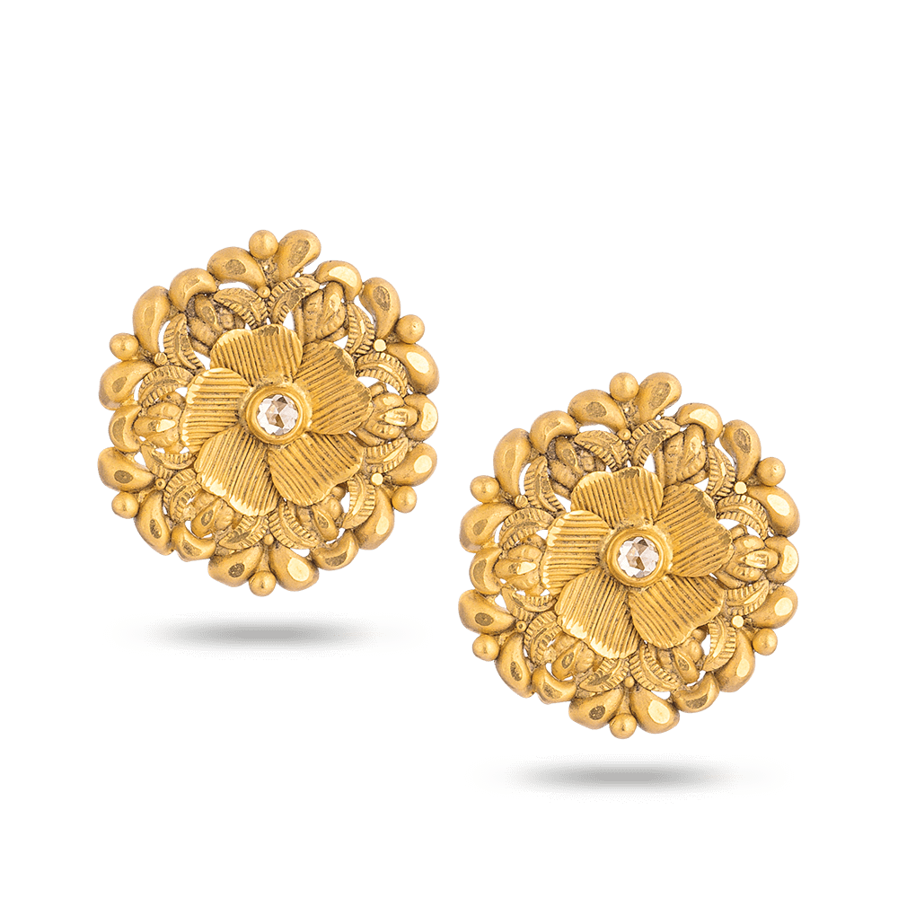 22 Carat Gold Earring With Antique FinishStudded With Uncut Polki DiamondWt. 5.5 gDiamond Wt. 0.14 ctSKU. 28726All prices include VATAll our products are hallmarked by London Assay OfficeComes With Presentation BoxDelivery IncludedContact us / chat with us to see video of product