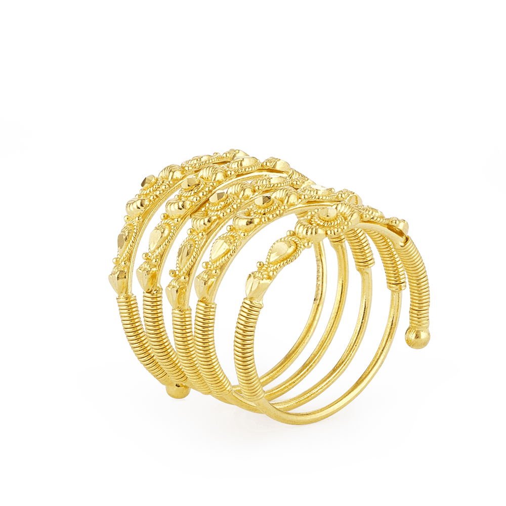 Indian Gold Ring In 22ctFine Filigree Design With Spiral ThemeRing wt. 7.4 gSKU. 28903All our products are hallmarked by London Assay OfficeComes with presentation BoxAll prices include VATDelivery IncludedContact us/ chat with us for the video of this product