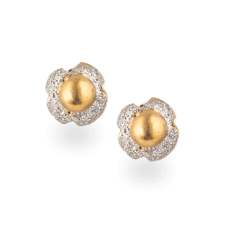 22ct Gold rhodium polished studSuitable for Everyday useWt. 1.6 gSKU. 24019All prices include VATAll our Products are Hallmarked by London Assay OfficeComes With Presentation BoxDelivery IncludedContact us / live chat with us to explore our latest collection of indian gold jewellery london
