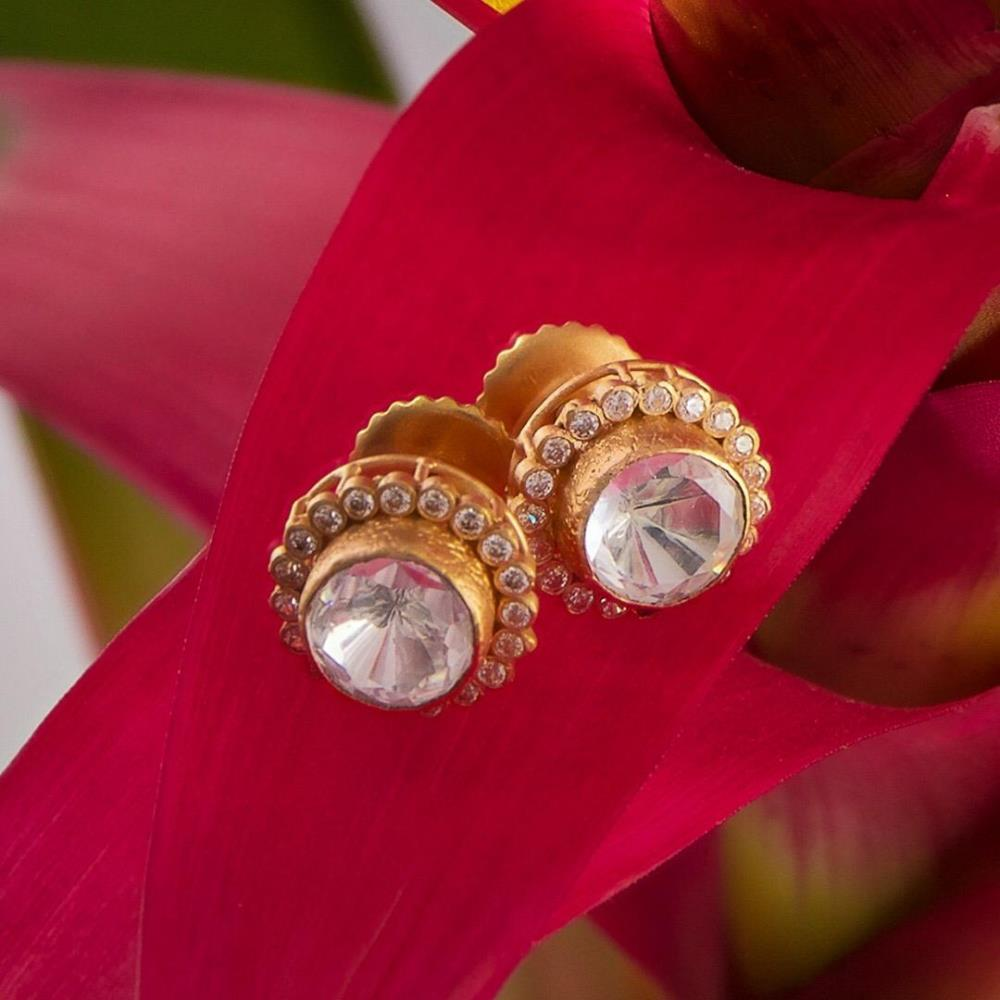 22ct Gold Anusha Stud EarringStudded with polki stonesWt. 4.5 gSku 28840Hallmarked by London Assay OfficeComes With Presentation BoxDelivery IncludedAll prices include VATLive chat with us for availability and more images of similar designs currently in stock