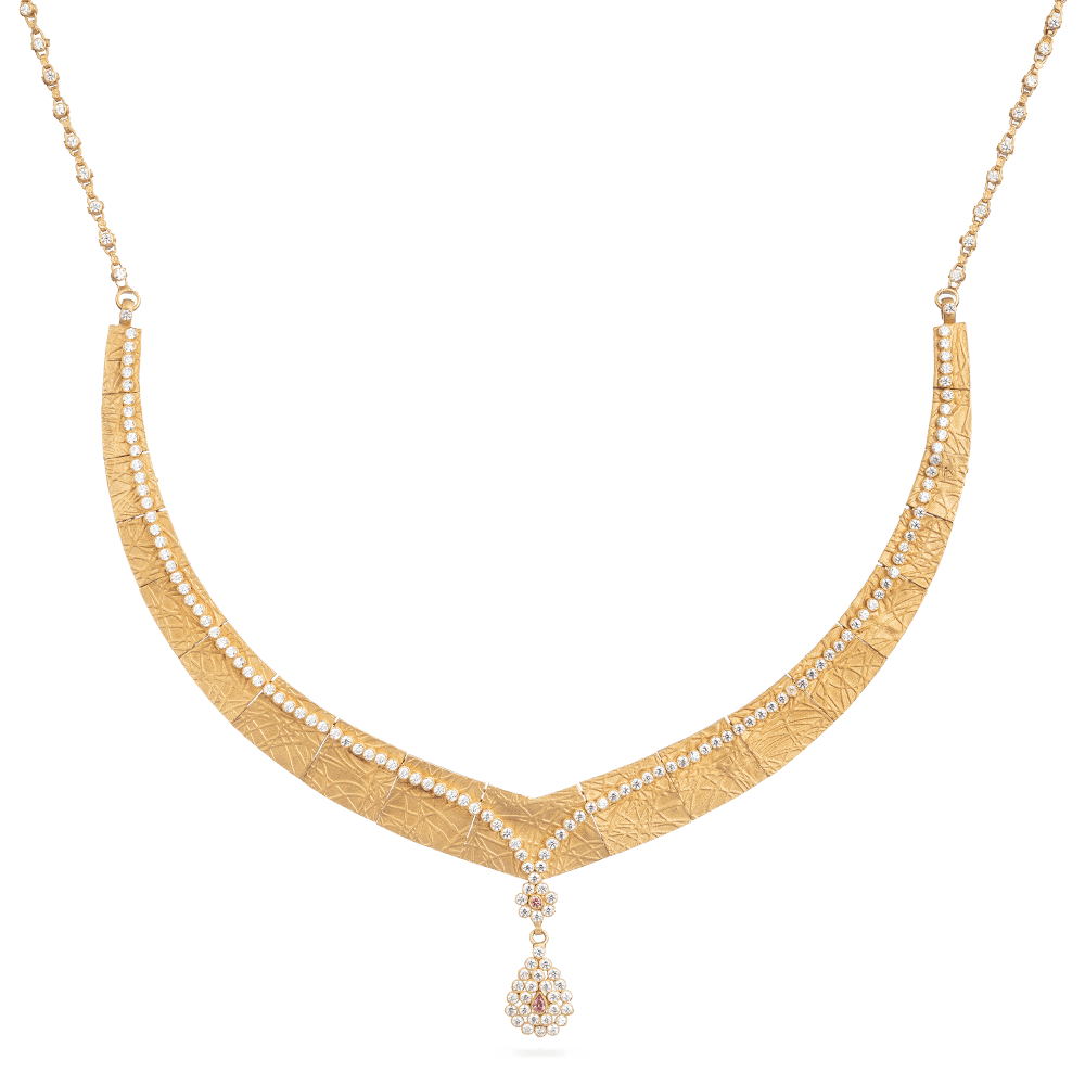 22ct Gold Bridal NecklaceAnusha Necklace With Rose Finish and Polki StonesWt. 35.3 gSKU. 28895Matching Earrings are Available for this NecklaceAll prices include VATAll our Products are Hallmarked by London Assay OfficeAll Set Comes With Presentation BoxDelivery IncludedLive Chat with us to view the entire new range of Bridalnecklace and earring set available in our store at forest gate, London,UK