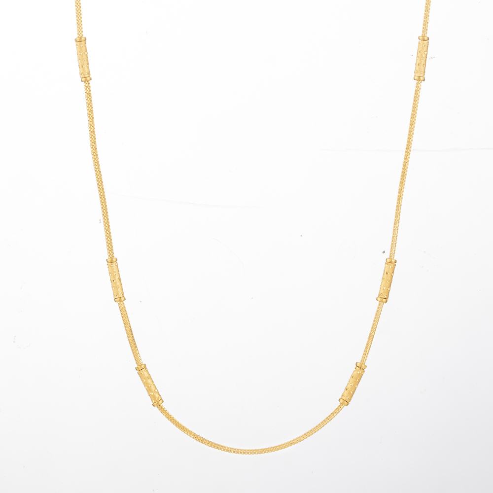 22 Kt Gold Choker chainWith RhodiumWt 8.9 gLength : 18 InchesSKU. 31128All prices include VAT22ct GoldHallmarked by London Assay OfficeComes With Presentation BoxDelivery IncludedLive chat with us for availability and more images of similar designs currently in stock