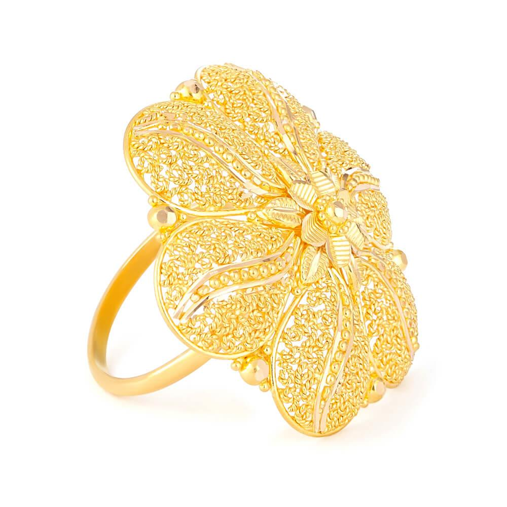 22ct Yellow Gold RingRing Wt. 10.1 gmsRing Size. OSKU. 3237022ct Gold Hallmarked by London Assay OfficeComes With Presentation BoxFree Delivery in UKAll prices include VATLive chat with us for availability and more images of similar designs currently in stock