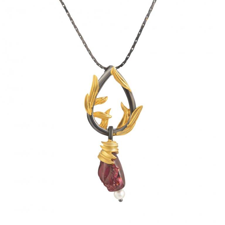 Baroque Artemisia Sterling Silver Garnet Necklace NGN001