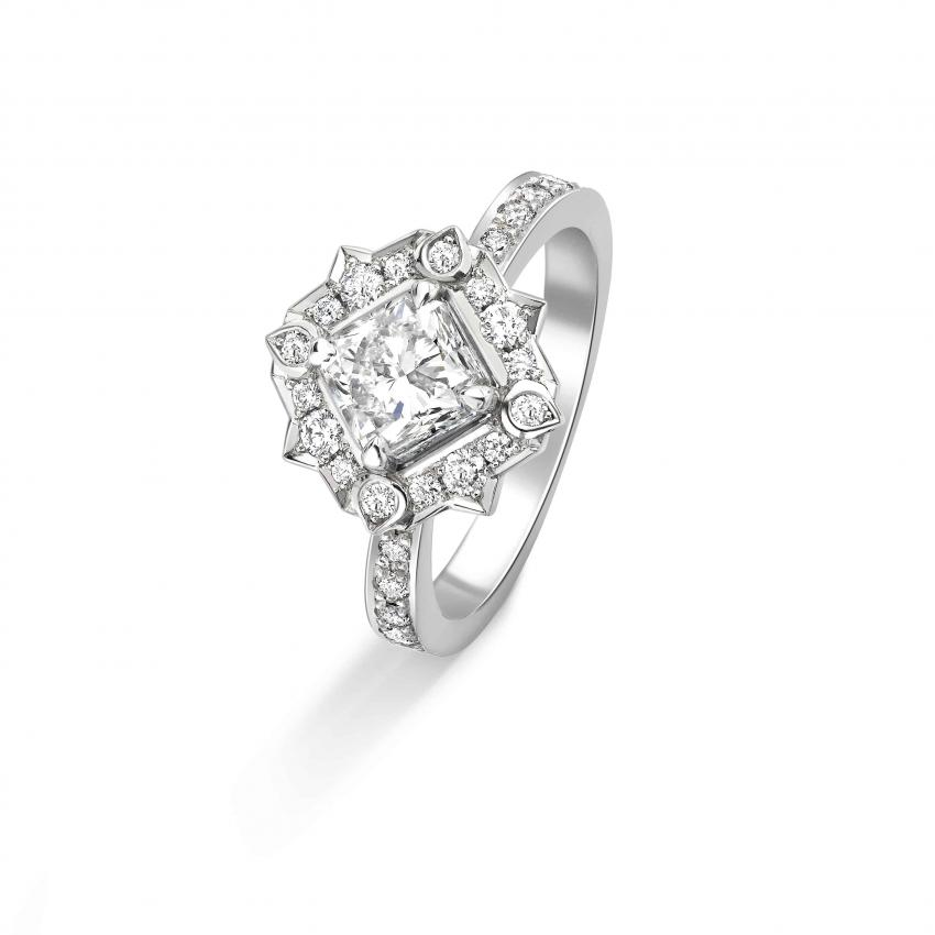 Mughal Diamond Halo Engagment Ring