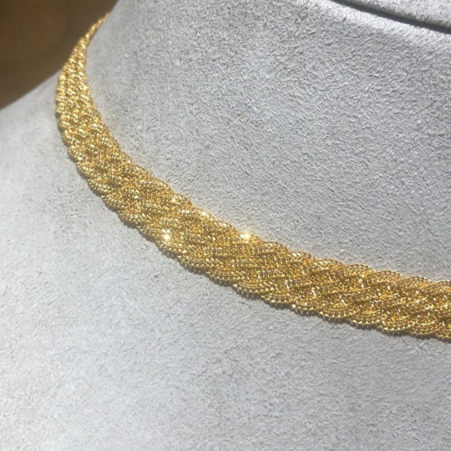 Woven gold! can you imagine anything more luxurious?  Experience the Luxury and Warmth of Real Gold.  #wovengold #realgold #realgoldjewelry #goldjewellery #22ctgold