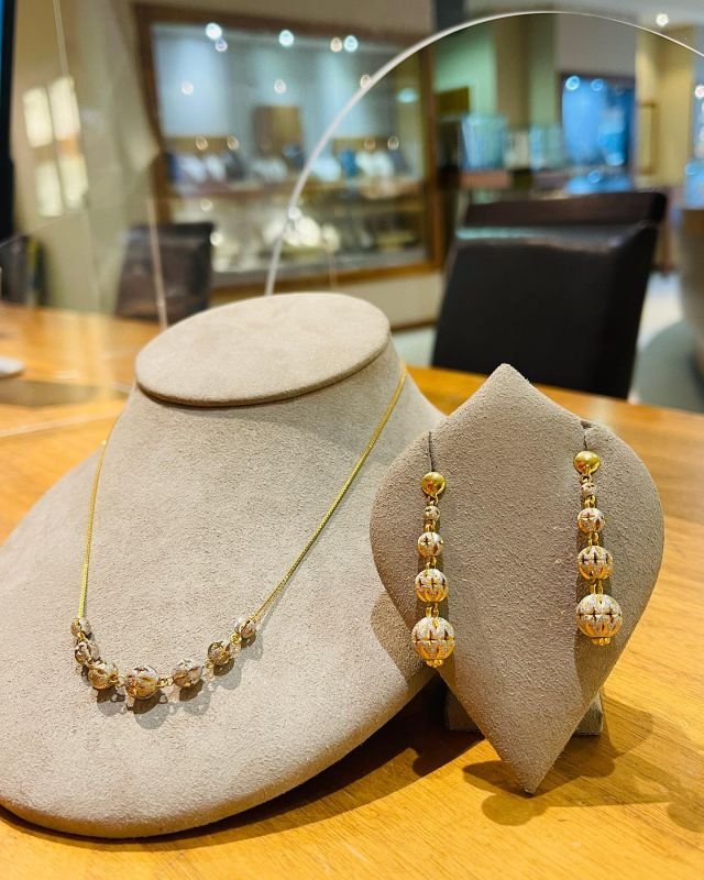 22ct Gold Necklace and Earrings from Sparkle Collection. #purejewels #purejewelscollection #purejewelsuk #sparklecollection #22ctgold #22ctgoldnecklace